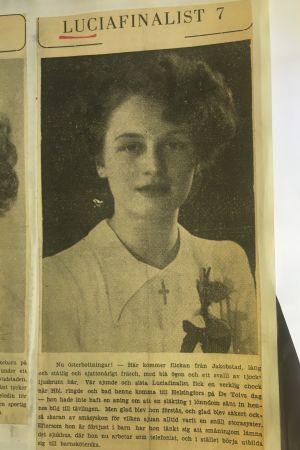 Klipp från Hufvudstadsbladet den 24 november 1952. Luciakandididat nr. 7 presenteras.