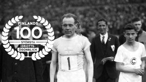 Paavo Nurmi efter världsrekordlopp i Berlin, 1926, med logon för Finlands 100 största idrottsögonblick.