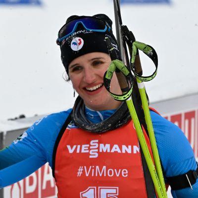 Vinnaren Julia Simon var nia inför det sista skyttet.