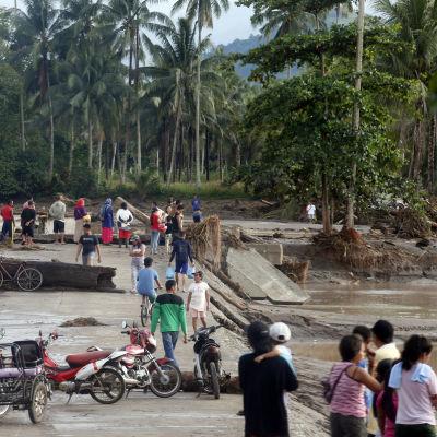 Stormen Tembin orsakade stora skador i Filippinerna.