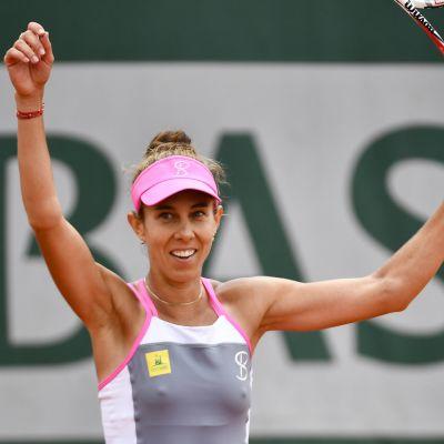Mihaela Buzarnescu är klar för åttondelsfinal.