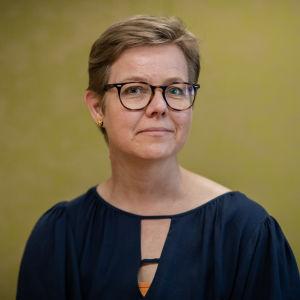 Kuvassa on ilmasto- ja ympäristöministeri Krista Mikkonen.
