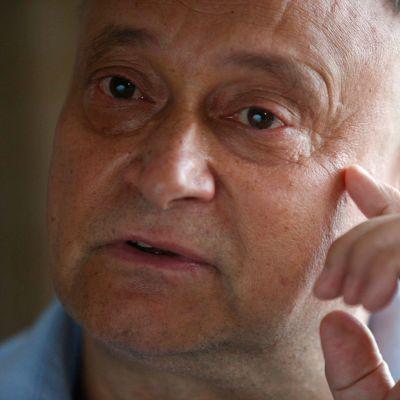 Tšernobylin ydinvoimalassa insinöörinä työskennellyt Oleksiy Ananenko, 59, asuu nykyään vaatimattomassa yhden makuuhuoneen asunnossa Kiovassa.