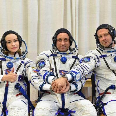 ryskt filmteam på rymdresa