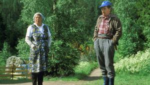 Metsolat-sarjan vanhemmat Antti ja Helena Metsola. Helinä Viitanen ja Ahti Haljala.