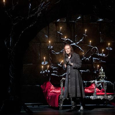 Ville Rusanen i Nationaloperans uppsättning av Fantomen på Operan.