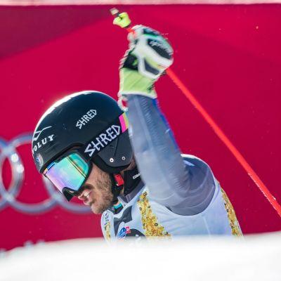 Cyprien Sarrazin är en fransk alpin skidåkare.
