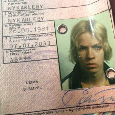 Peter Sandströms gamla körkort från 80-talet.