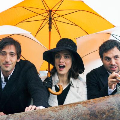 Bloom (Adrien Brody), Penelope (Rachel Weisz) ja Stephen (Mark Ruffalo).