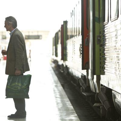 Martina Gedeck och Jeremy Irons i Night Train to Lisbon