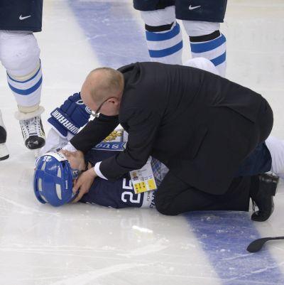 Pekka Jormakka överraskades av en tuff tackling.