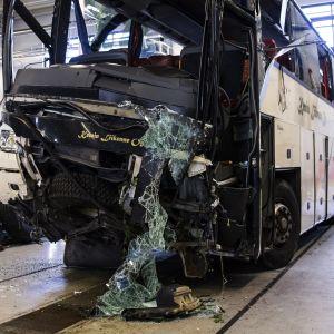 Bussolycka kravde manga dodsoffer i kashmir