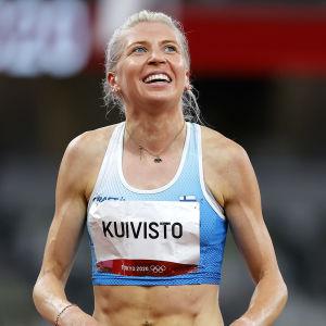 Närbild på Sara Kuivisto.