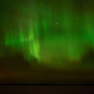 Fotografi av norrsken taget vid Silversand i Hangö
