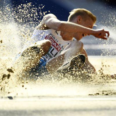 Kristian Pulli hyppäsi alkukesästä pituuden uudeksi Suomen ennätykseksi 827. Sillä saa enemmän pisteitä kuin mistään muusta suomalaistuloksesta tänä suvena.