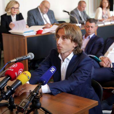 Luka Modric i en rättegångssal