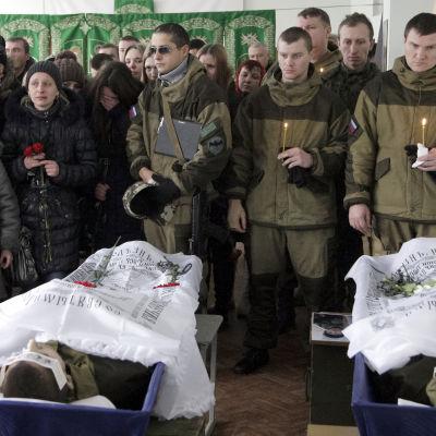 Begravning av stupade separatister i Donetsk.