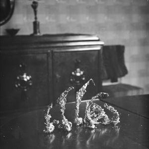 Uudenvuoden tinoja pöydällä, vuosi 1932
