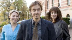 Miika Nousiaisen romaaniin perustuva komedia kertoo suomalaisesta Mikko Virtasesta, joka haluaisi olla aivan tavallinen ruotsalainen mies.