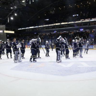 Blues spelare tackar fansen, Blues-SaiPa, mars 2016.