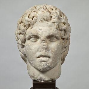 Bildnis Alexanders des Großen. Typus Erbach – Akropolis, Original 340/330 v. Chr., Kopie um 140–190 n. Chr.; Marmor.