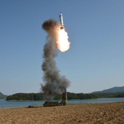 USA säger sig ha testat ett nytt missilsystem som försvar mot nordkoreanska ballistiska missiler såsom medeldistansmissilen Puksungong-2