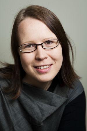 Porträtt på Outi Hakola.