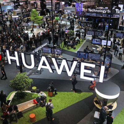 Huawei on 5G-verkon rakentamiseen tarvittavien komponenttien johtava toimittaja. Kuva Hannoverin tietotekniikkamessuilta kesäkuulta 2018.