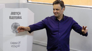 Aécio Neves möter Dilma Rousseff i den andra valomgången.