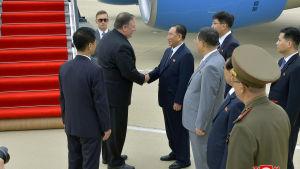 USA:s utrikesminister Mike Pompeo möter Kim Yong-chol.