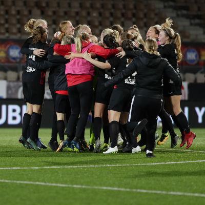 PK-35 Vantaas spelare firar ligaguld, 2018.