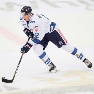 Miro Heiskanen i den finländska landslagströjan.