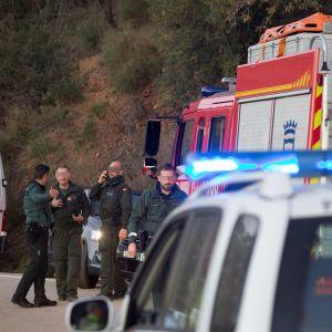 Räddningsmanskap i Totalán nära Málaga.