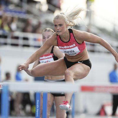 Lotta Harala aitoo Espoon GP-kisassa vuonna 2018.