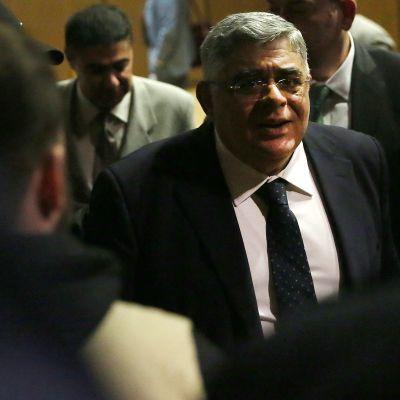 Nikolas Michaloliakos, som grundade det fascistiska partiet Gyllene gryning i Grekland, döms för att ha grundat en kriminell organisation.