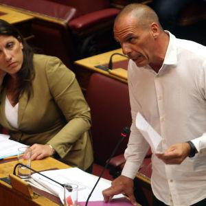 Greklands parlament röstar om stödpaket