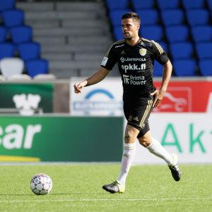 Marc Vales har förlängt sitt kontrakt med SJK.