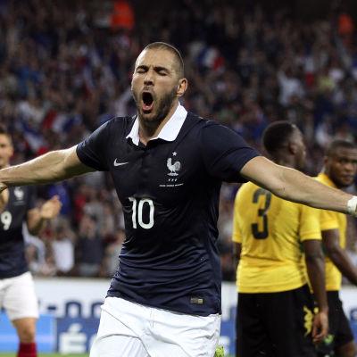 Karim Benzema firar ett mål