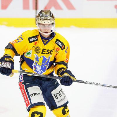 Henrik Koivisto plockar poäng för Jukurit.