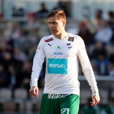 Kristian Kojola i IFK Mariehamns tröja