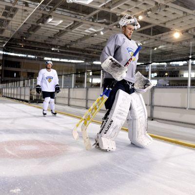 Mikko Koskinen, ishockeylejonen