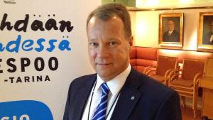 Stadsdirektör Jukka Mäkelä i Esbo.
