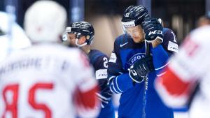 Marko Anttila ser besviken ut efter förlust.