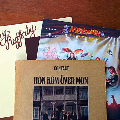 Skivkonvolut med Gerry Rafferty, Marillion och Contact