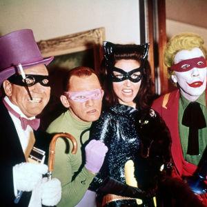 Burgess Meredith, Frank Gorshin, Lee Meriwether ja Cesar Romero sarjassa Batman
