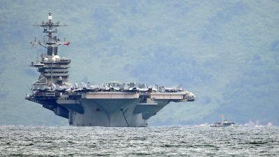 Det amerikanska hangarfartyget USS Theodore Roosevelt i Da Nangs hamn i Vietnam.