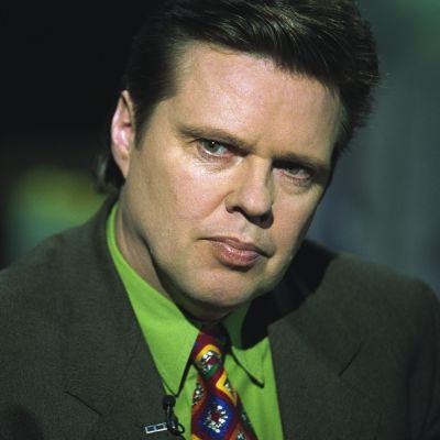 Jari Aarnio ohjelmassa Punainen lanka vuonna 2000