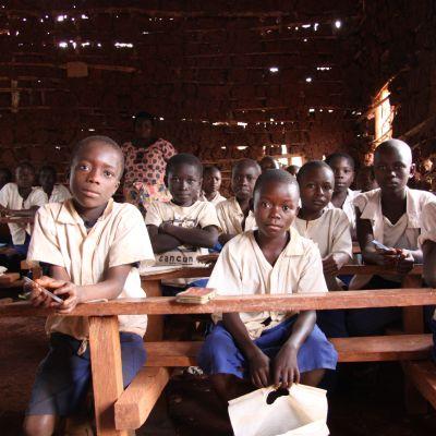 KU ordnar insamling för skolbygge i Kongo