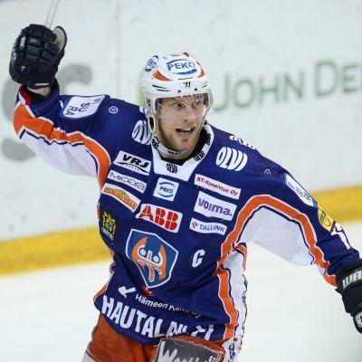 Ville Nieminen avgjorde den andra finalen för Tappara.
