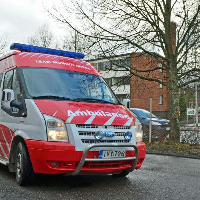 Ambulansen som 9Lives donerade till Team Mongolanssi.